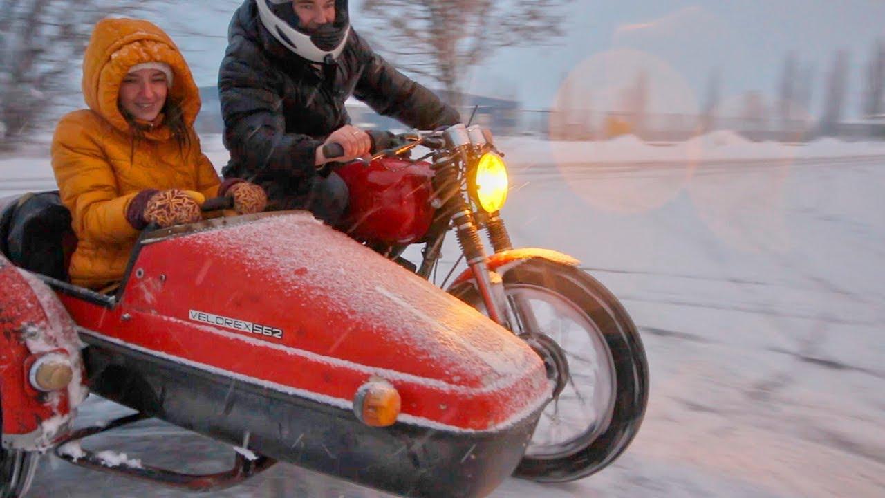Брянцы подивились мотоциклу с коляской посреди зимы