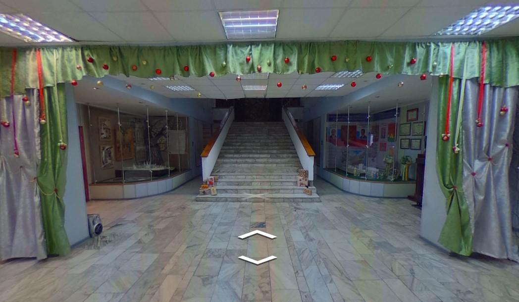 Александр Богомаз пообещал краеведческому музею лифт