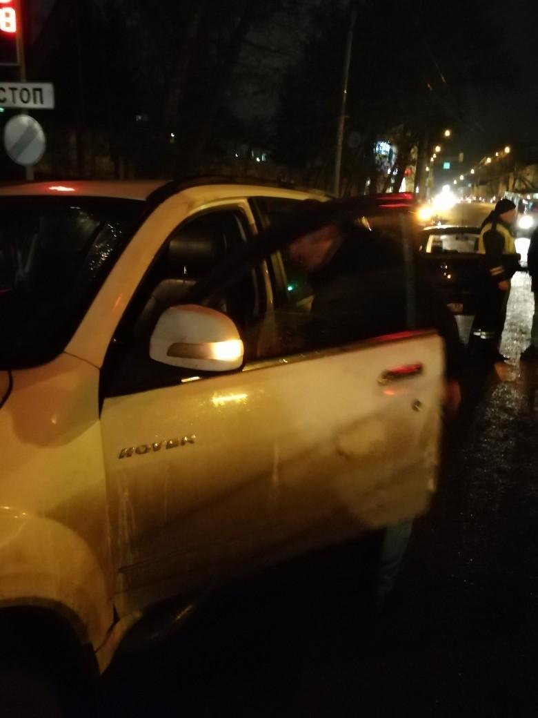 В Брянске пьяный водитель пошел на таран