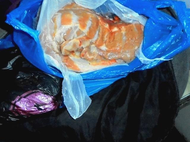 Через Брянск пытались провезти почти тонну неизвестных продуктов
