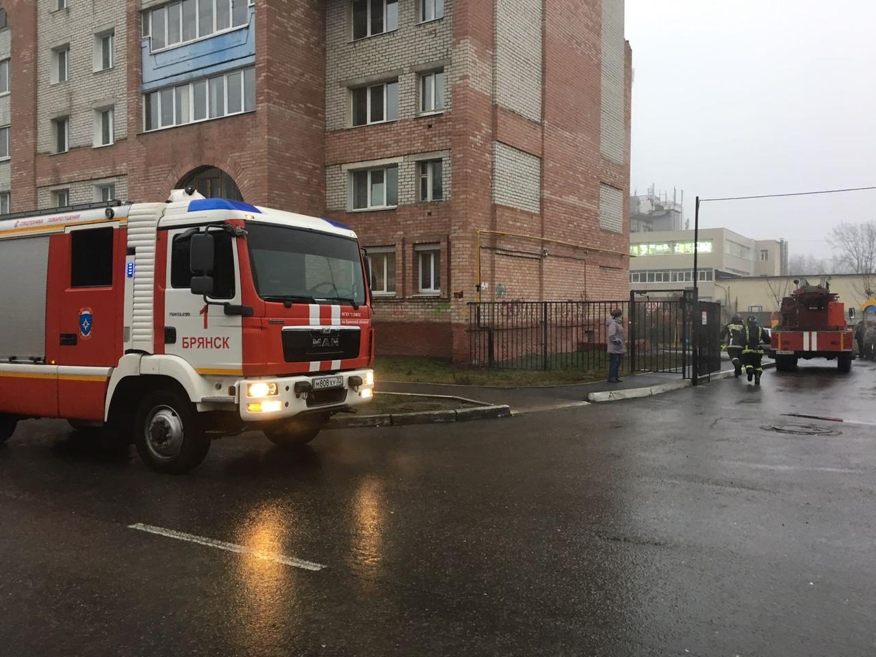 На улицу Луначарского этим утром выезжали пожарные