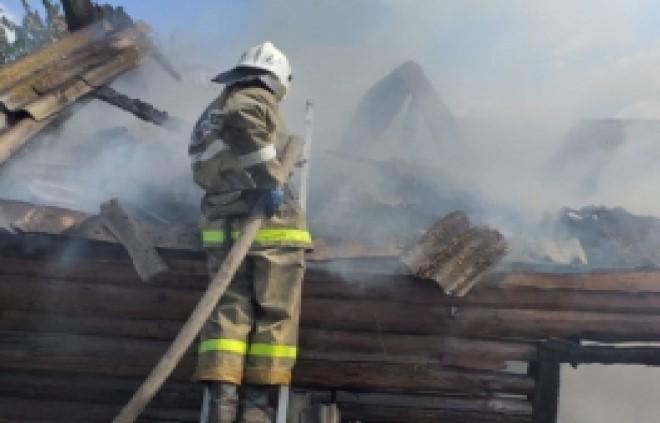 На улице Калинина в деревне Калинки сегодня тушили пожар