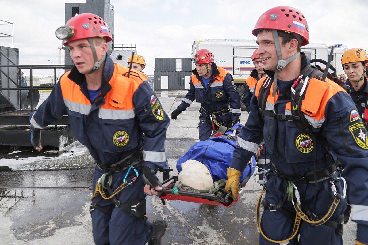 В МЧС брянцам предлагают зарплату до 30 тысяч