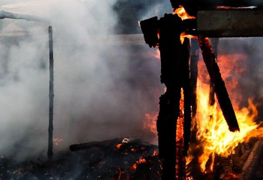 В центре Бежицы сгорел сарай