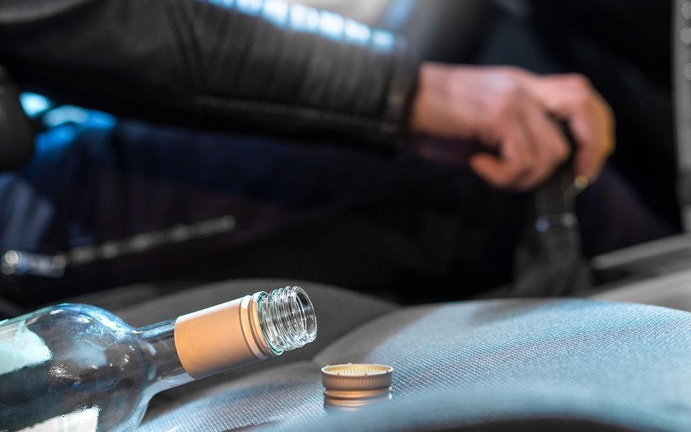 В Суземке пьяный водитель сломал женщине обе ноги и кости таза