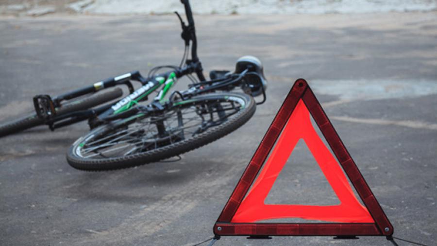 В Стародубе водитель сбил велосипедиста и врезался в другое авто