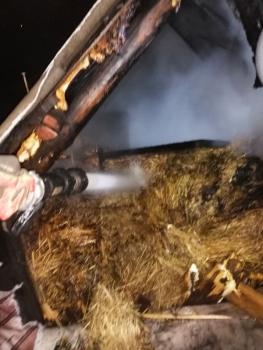 В Дятьково загорелся сарай с сеном