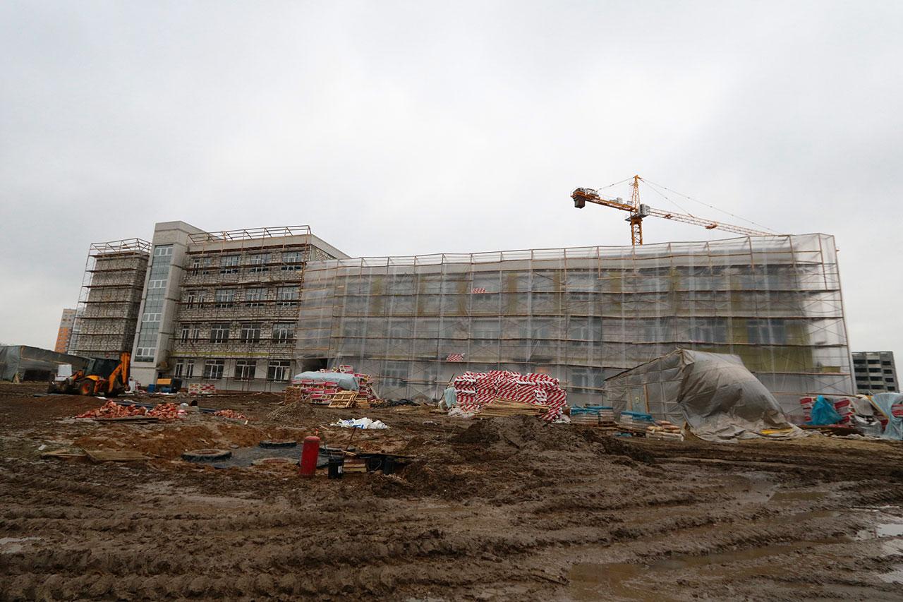 К новому учебному году в Брянске достроят школу на Старом аэропорту