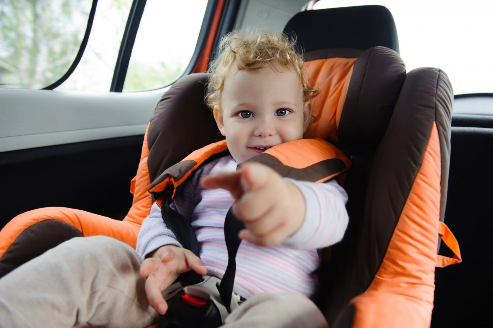 В среду брянских водителей проверят у детских садов