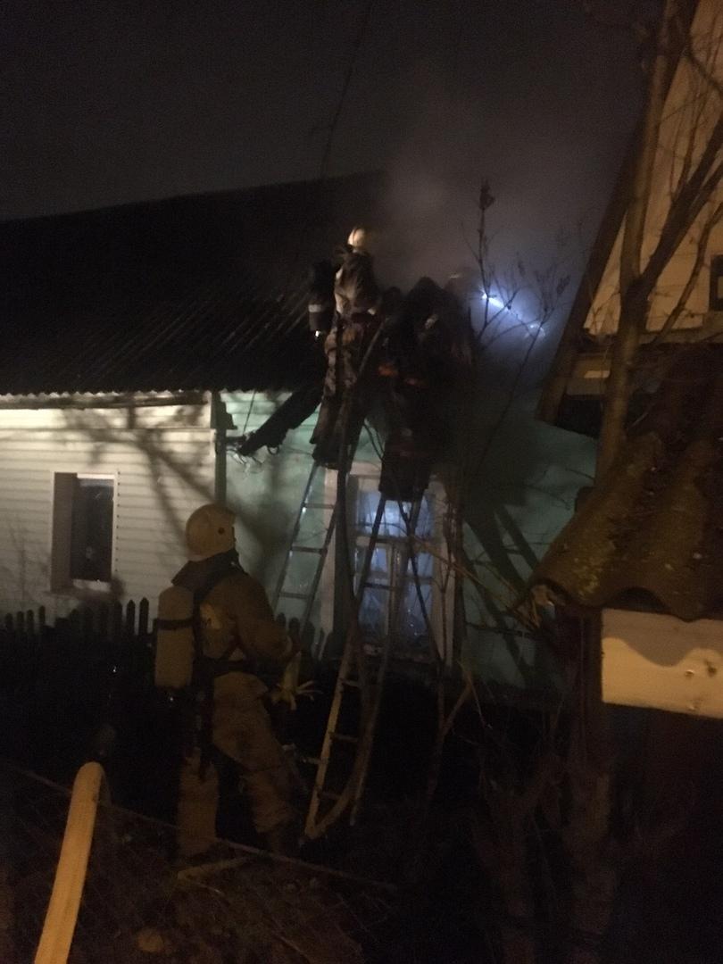На пожаре в Бежице есть пострадавший