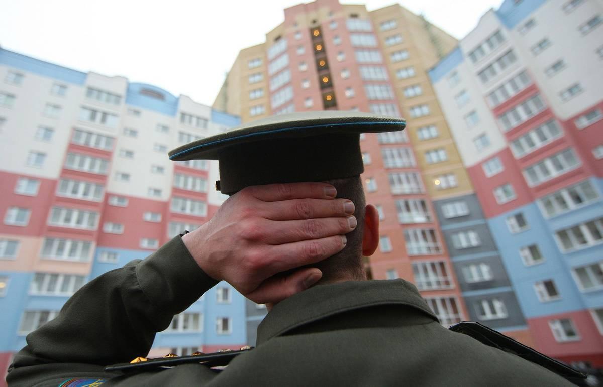 Военнослужащим Брянского гарнизона выдали две тысячи договоров найма жилья