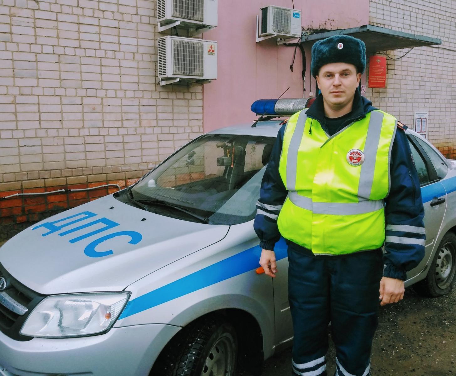 Брянского дальнобойщика спасли вологодские полицейские