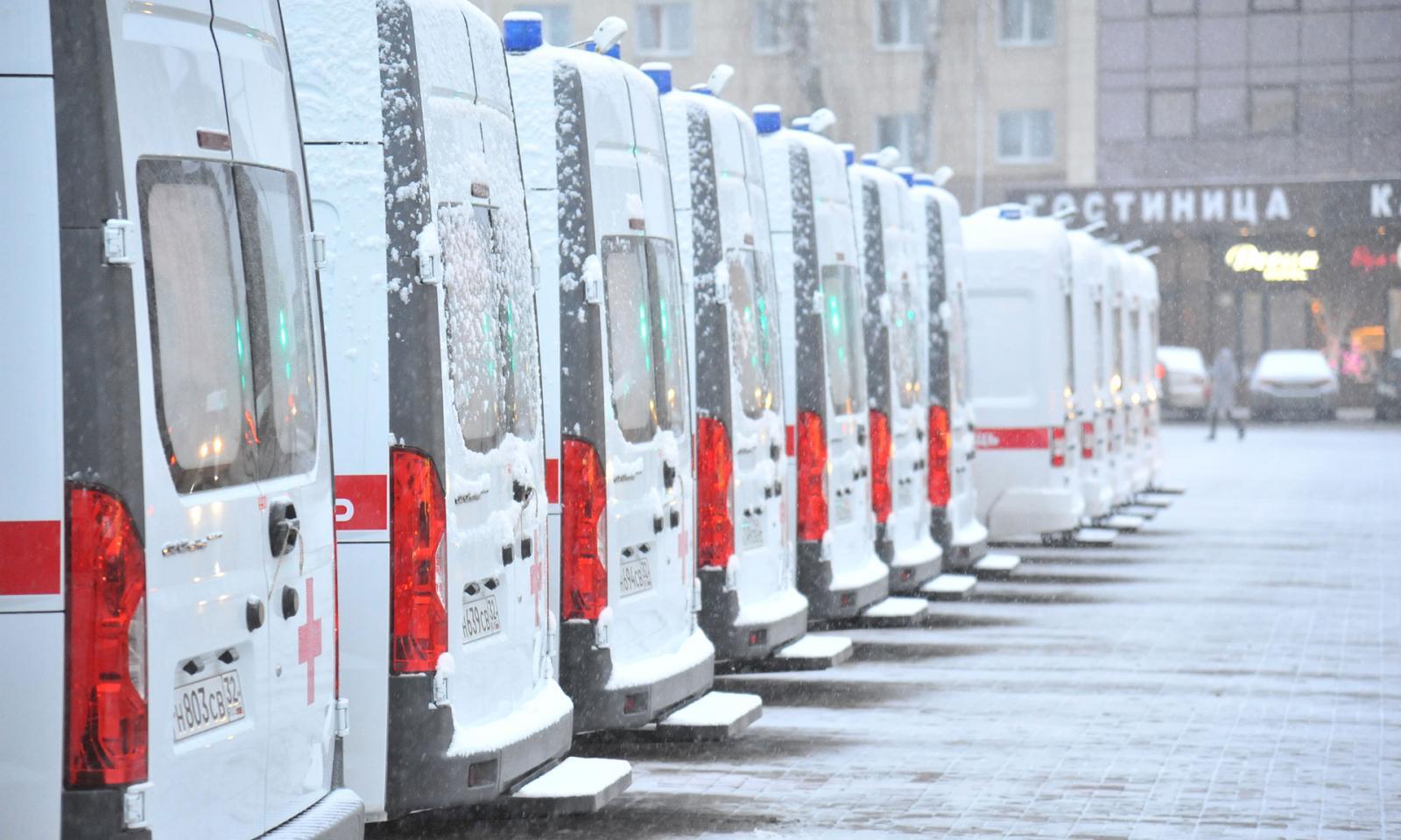 Автопарк региона пополнили 22 машины скорой помощи