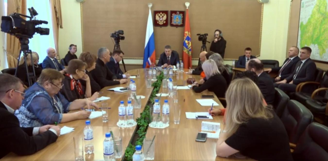 Встреча губернатора с журналистами проходит в прямом эфире