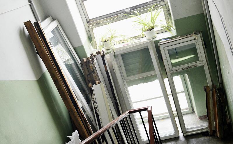 В брянской многоэтажке заменят окна после обращения к губернатору