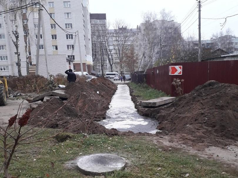 Жители Фокинского района винят строителей в отсутствии воды