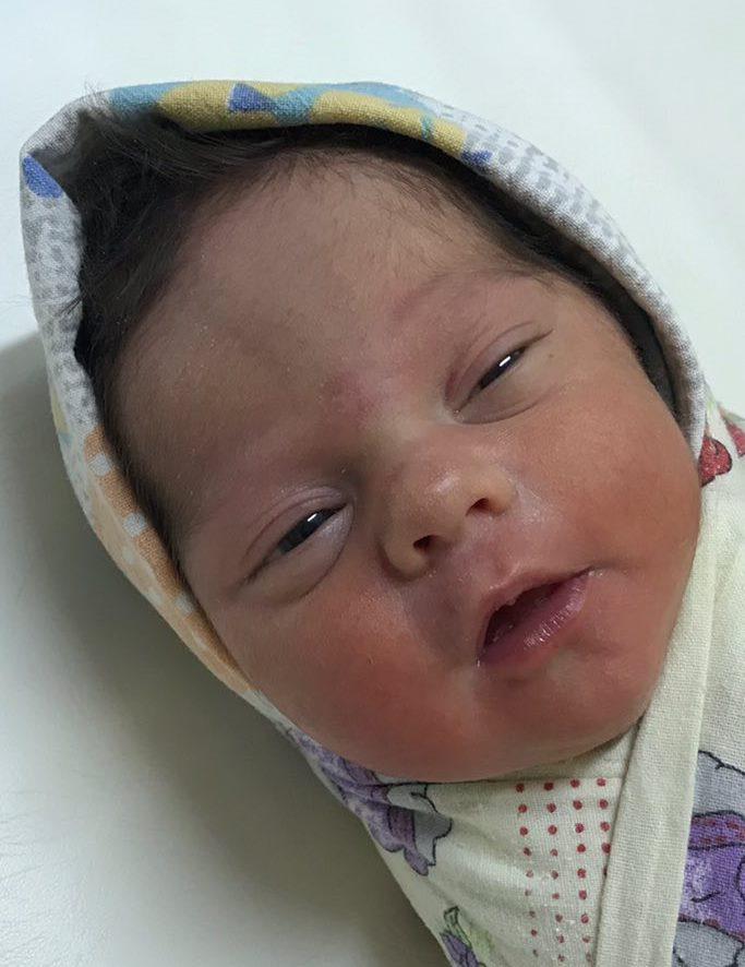 Новорожденной Злате нужна семья