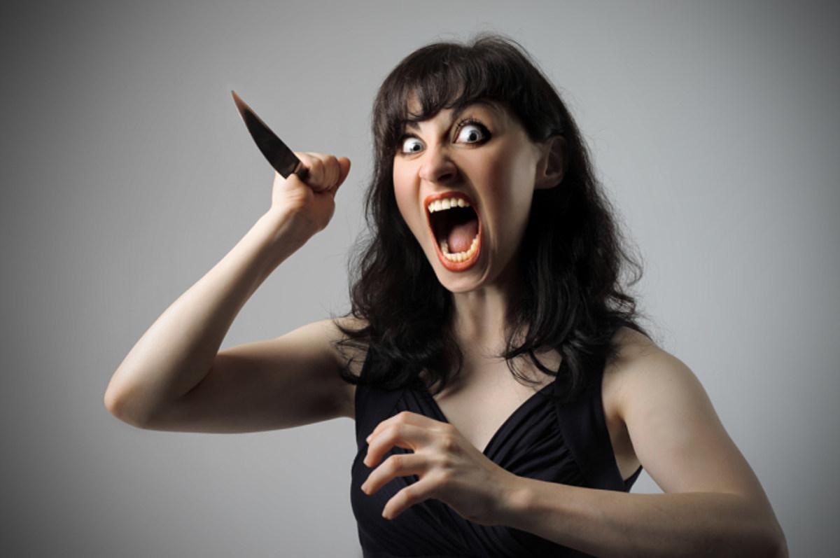 Ножом в живот ответила на оскорбления сожителя 40-летняя женщина в Унече