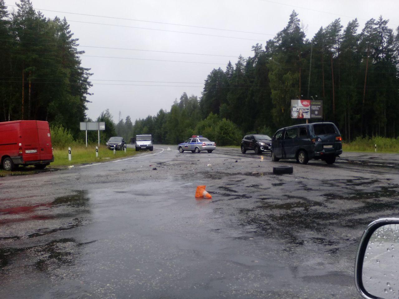 В ДТП с микроавтобусами под Дятьково пострадали четверо