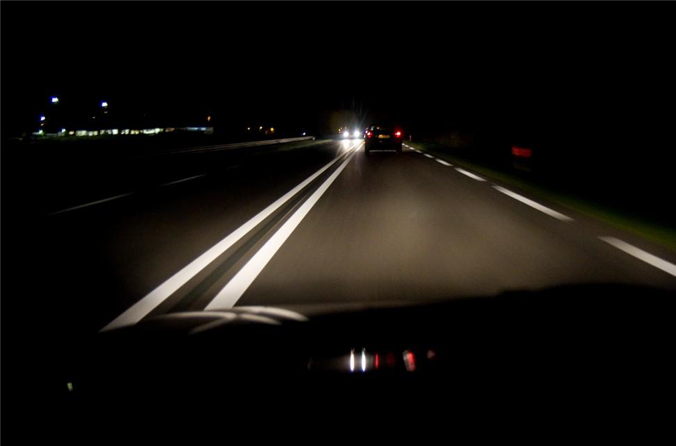 Прошлой ночью в Мглине легковушка улетела в кювет, пассажир госпитализирован
