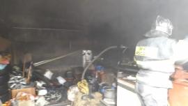Пожар случился в гаражном обществе Брянска