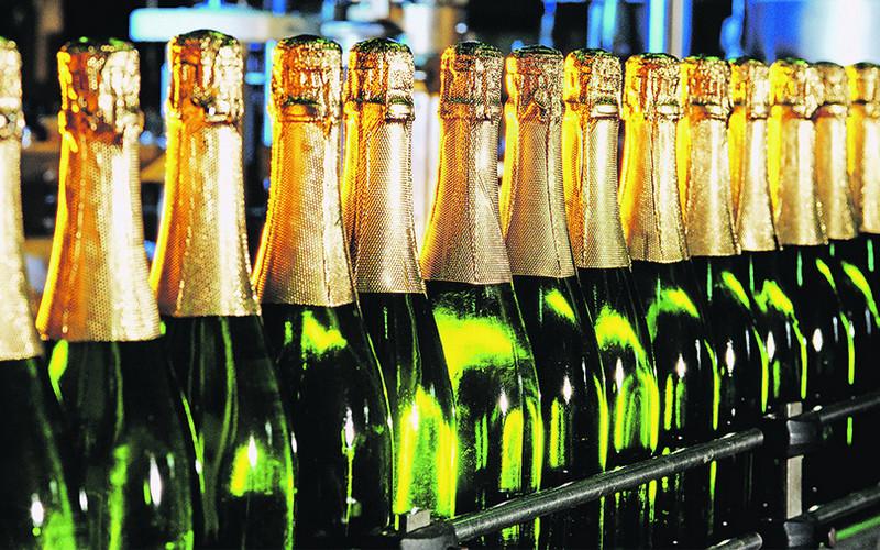 Коньяк ишампанское проверят перед Новым годом