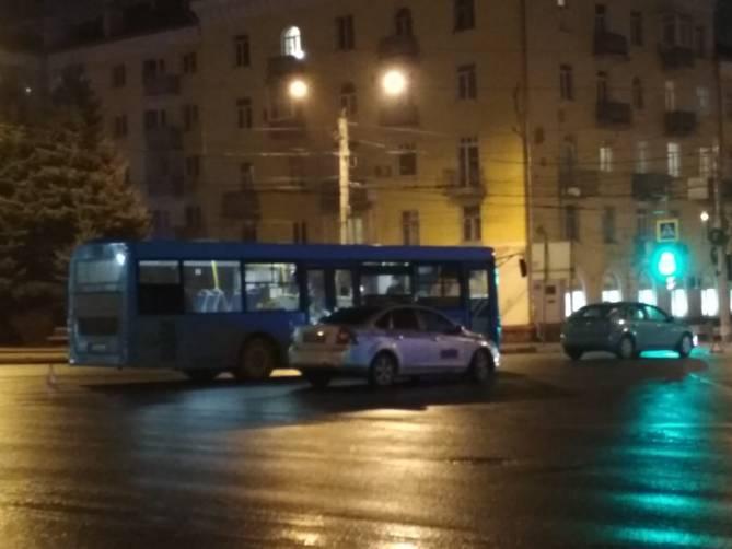 В Брянске еще одно ДТП с автобусом