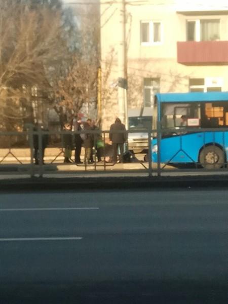 На проспекте Московском автобус сбил мужчину