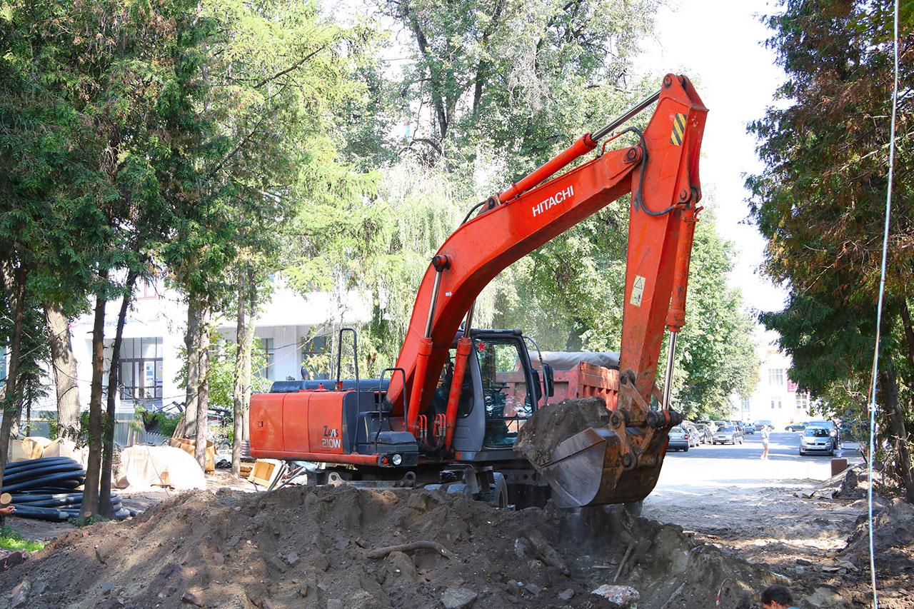 Ремонт общественных территорий продолжается в Брянске