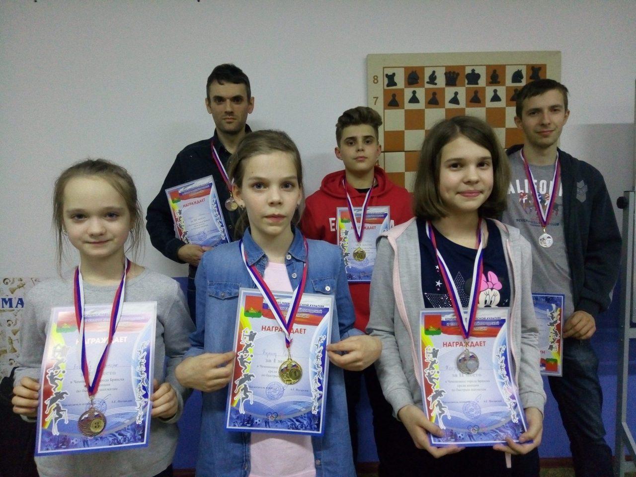Брянские шахматисты готовятся ко всероссийским соревнованиям