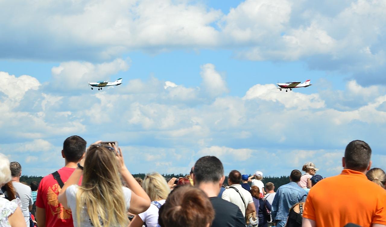 Брянцев восхитил воздушный праздник в честь летчика Камозина