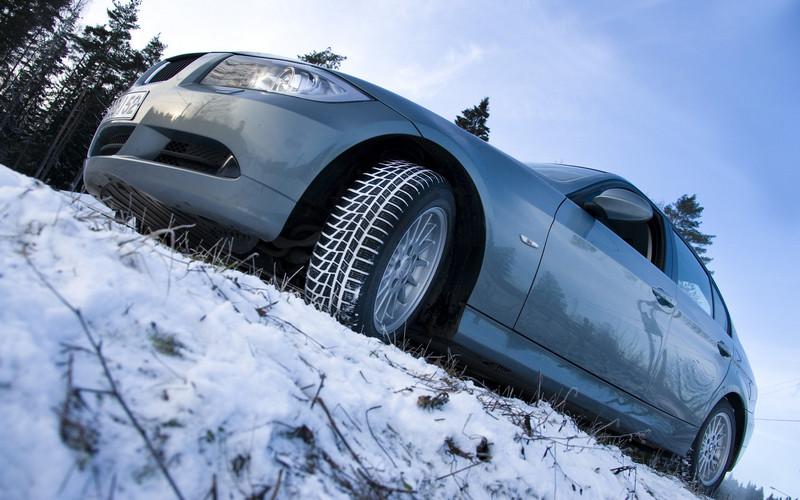 Пришли заморозки — пора одеть зимние шины?