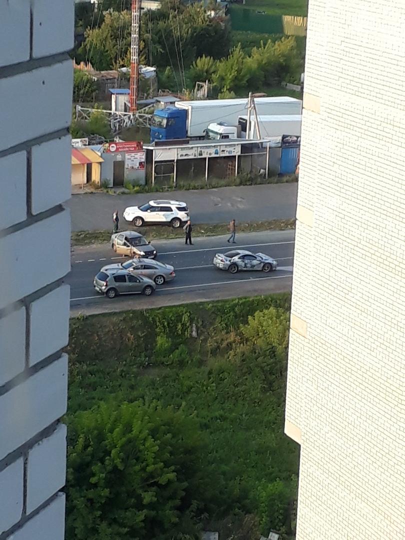 Две легковушки столкнулись в Путевке под Брянском