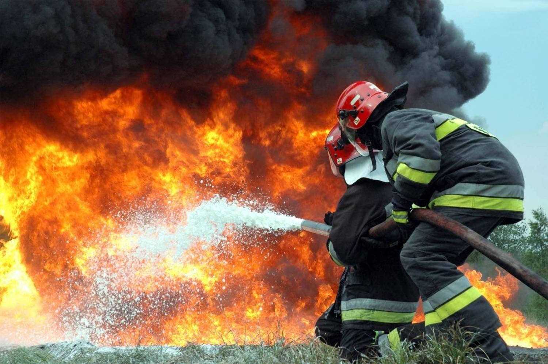 В Володарском районе Брянска сгорела дача