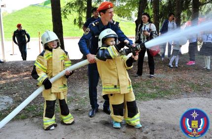 МЧС провело День знаний для брянских ребят