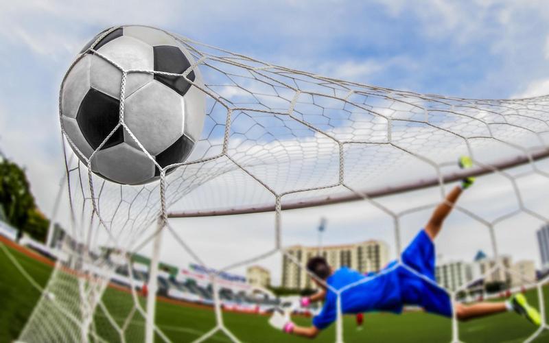 Смотрим один изсамых невероятных пенальти вистории футбола