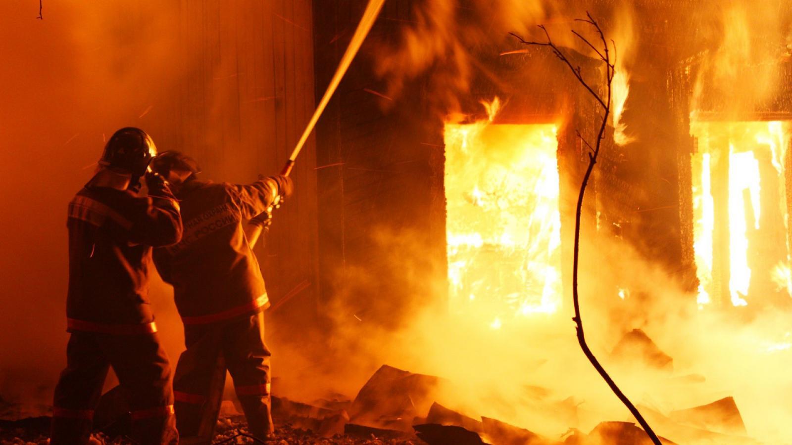 В пожаре в пансионате пострадали люди