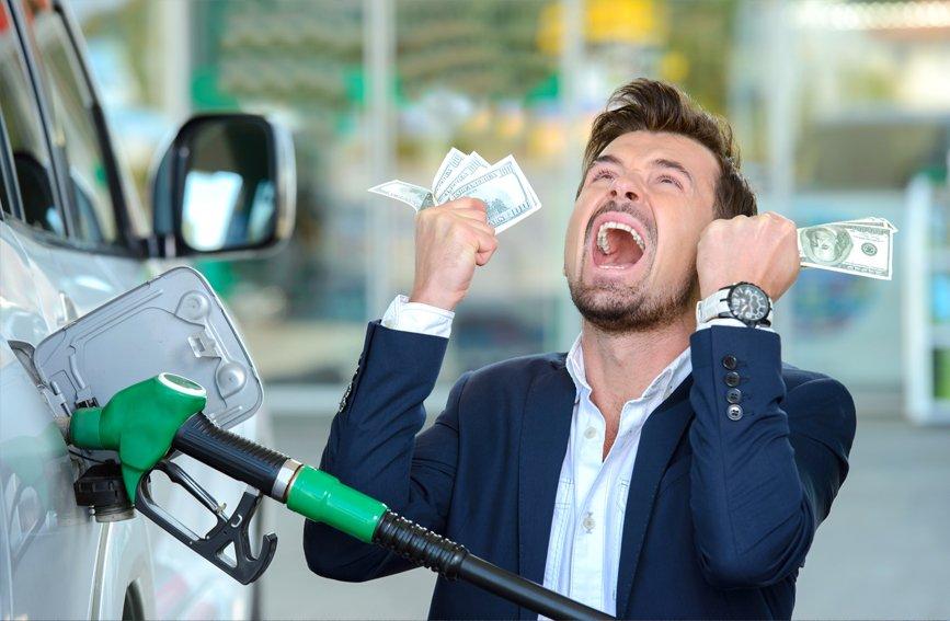 Бензиновые страхи: правительство неподтвердило рост цен набензин до100 рублей