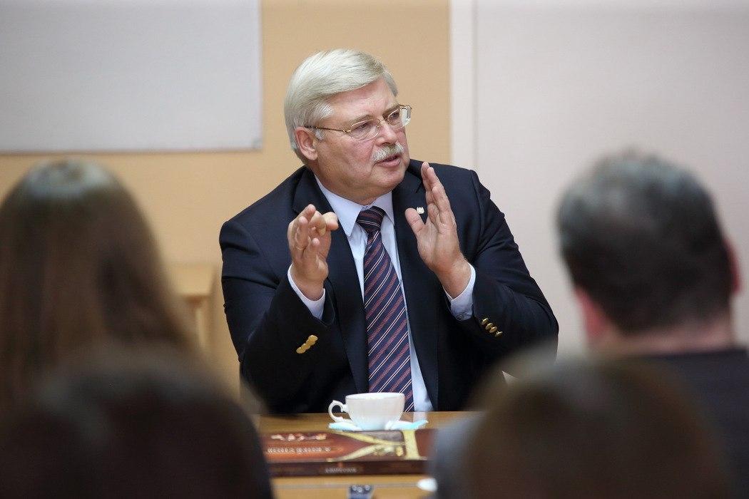 Губернатор Томска извинился перед обратившейся кПутину многодетной матерью