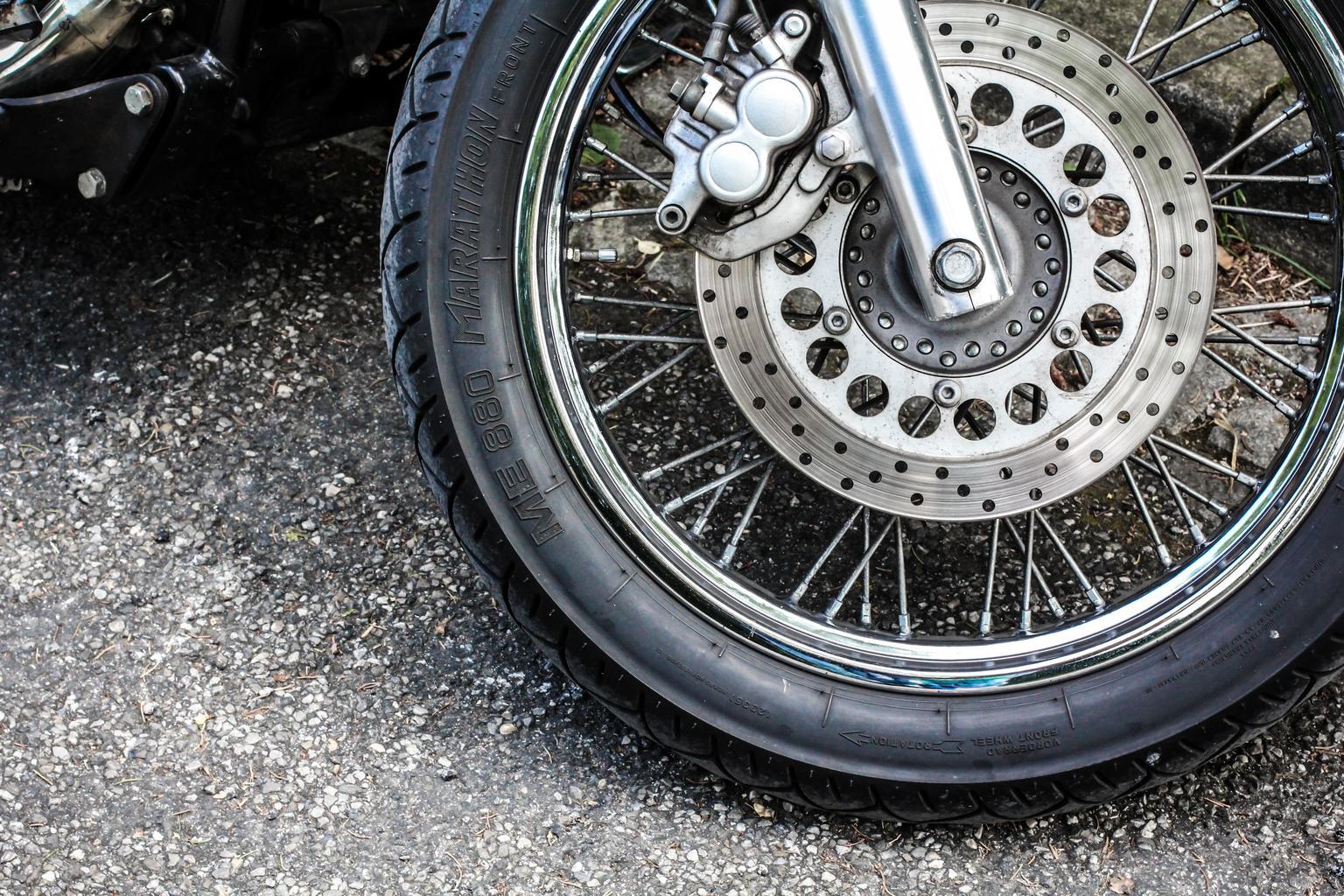 В Белых Берегах ищут свидетелей столкновения авто и мотоцикла