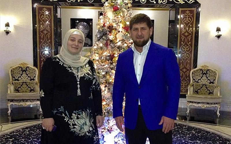 Жена Кадырова впервые показала фото всех своих подросших сыновей иплемянников