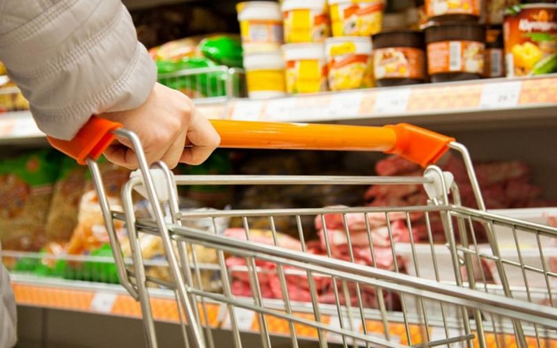 Стоимость продовольственной корзины в стране снизилась за счет сезонных овощей