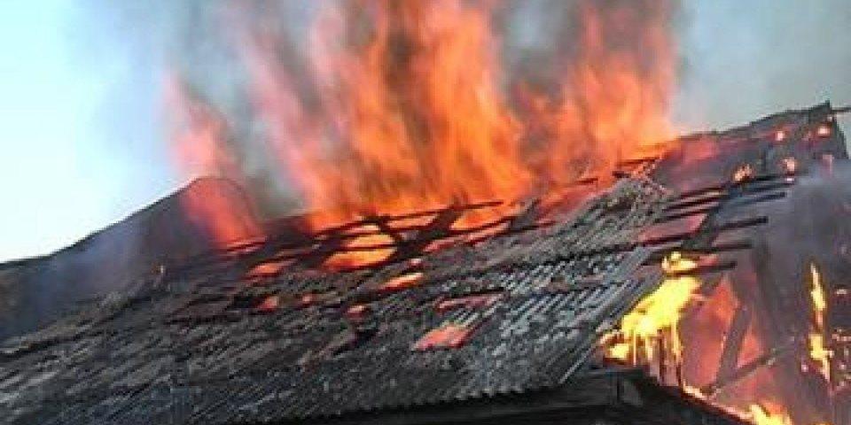 В Климовском районе горел сарай