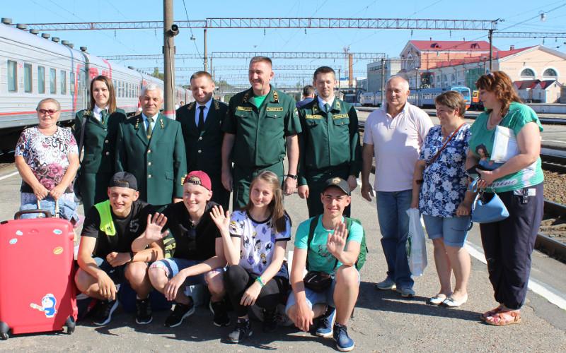 Лучших юных лесничих из Брянской области наградили путевками в «Орленок»