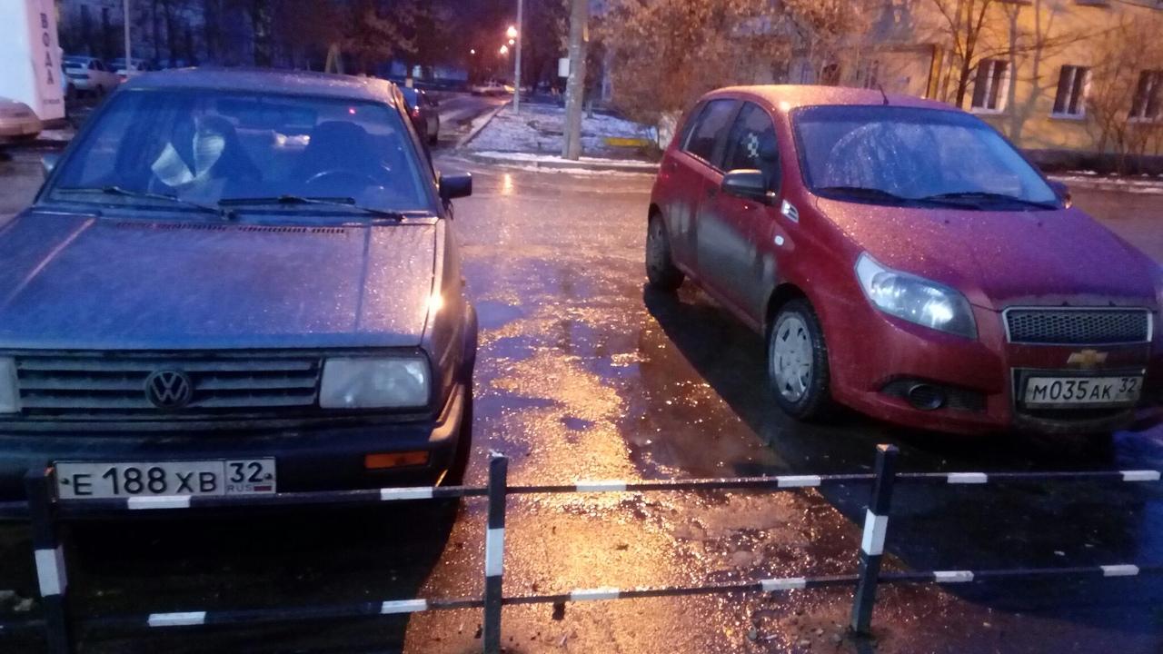Двух брянских водителей обвинили в нарушении правил парковки