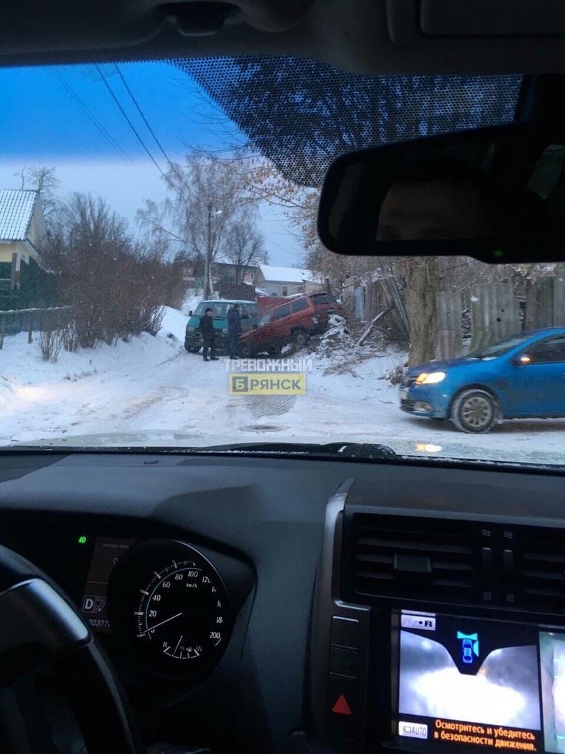 На Некрасова в Брянске не разъехались авто