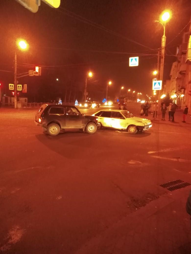 На Никитина столкнулись отечественные авто