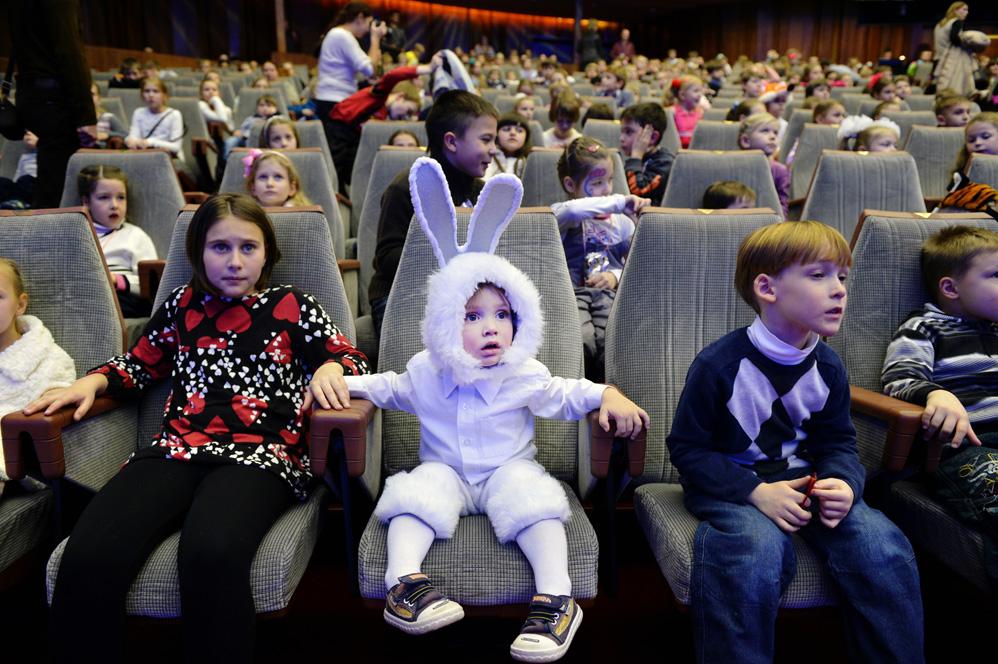 Театр кукол зовет брянских мужчин на бесплатный спектакль