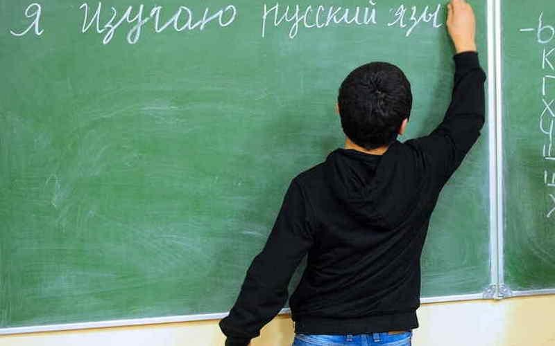 Через год в школах введут устный экзамен порусскому языку