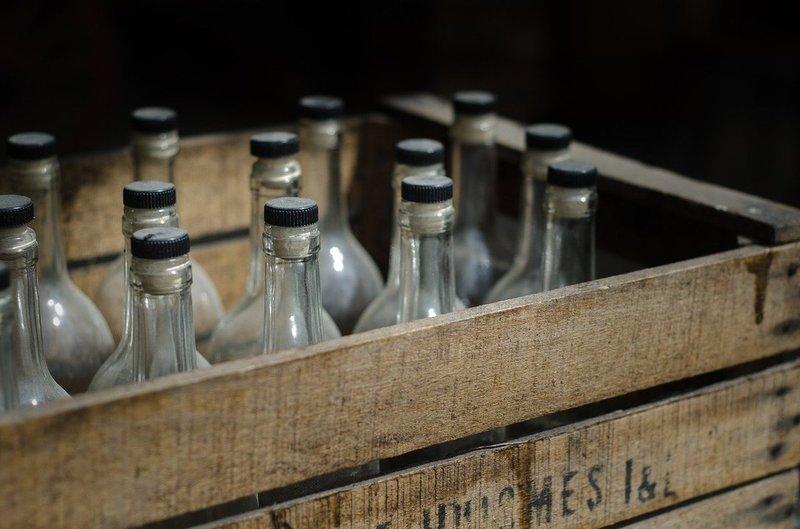 В общежитии Фокинского района торгуют алкоголем из-под полы